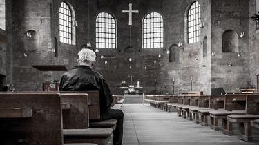 Ideologia zamiast Kościoła, czyli co zajmuje miejsce Boga - miniaturka