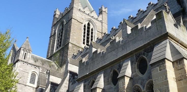 Anglia: Dlaczego rząd zamyka kościoły? - zdjęcie