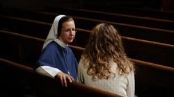 Francja: dlaczego młodzi odeszli od Kościoła? - miniaturka