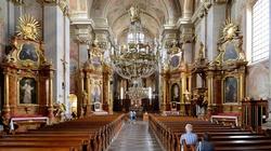 W Tyrolu policja wkroczyła do kościoła i rozwiązała Mszę Świętą - miniaturka