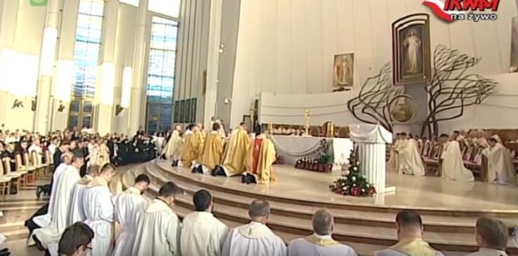 Zobacz transmisję z uroczystości Aktu Przyjęcia Chrystusa za Króla i Pana - zdjęcie