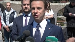 """Krzysztof Bosak o działaniach policji: ,,Jak równouprawnienie to pełne"""" - miniaturka"""