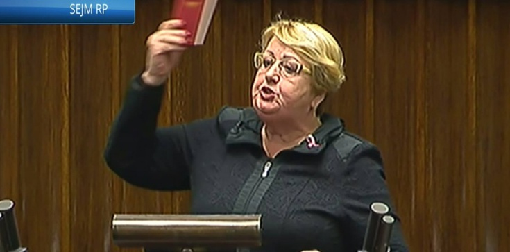 Absurd! Wg Krzywonos PiS zastraszyło żonę Kiszczaka! - zdjęcie