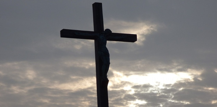 Walka z chrześcijaństwem trwa, niszczą krzyże! - zdjęcie