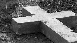 Satanistyczny pentagram na cmentarzu. Kobieta usłyszała zarzut - miniaturka