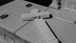 Przerażające sceny z Chin! Władze zabraniają chrztu i burzą kościoły - miniaturka