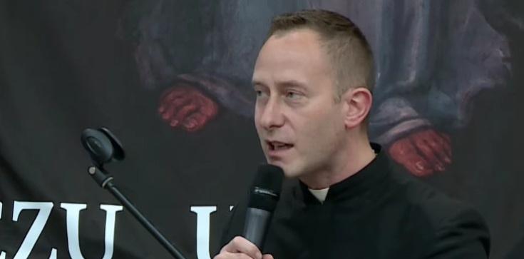 Ks. Dominik Chmielewski: Czym się różnimy od niewierzących? - zdjęcie