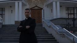 MOCNE! Ksiądz w rytmie rapu o filmie Sekielskich. 'Tylko nie mów nikomu o Kościele nic dobrego, bo nie będziesz miał z tego fejmu, kolego' - miniaturka