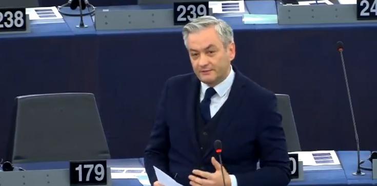 Biedroń donosi na Polskę. ,,Kłamstwo i wstyd!'' - zdjęcie