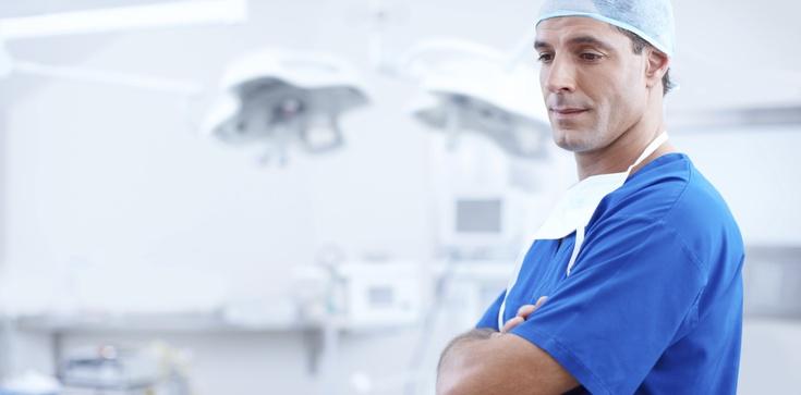 Lekarz: W szpitalu mam 5000, ale naprawdę zarabiam 20 tysięcy - zdjęcie