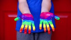 Rośnie przemysł produkujący… akcesoria dla transpłciowych dzieci - miniaturka