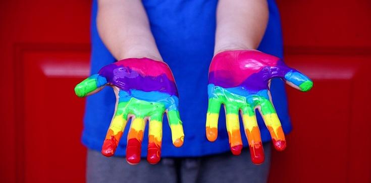 Szok! Znany producent szamponów promuje transpłciowość wykorzystując dziecko - zdjęcie