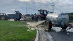 Rolnicy protestują. Gnojówka na… Rondzie Żołnierzy Niezłomnych  - miniaturka