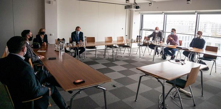 Obajtek po spotkaniu ze ZZ Polska Press: Szkoda, że RPO nie interesował się pracownikami - zdjęcie