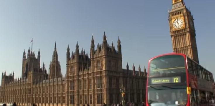 Ewakuacja londyńskiej restauracji. Podejrzana przesyłka... - zdjęcie