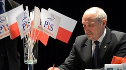 Wotum nieufności wobec Macierewicza - dziś Sejm zajmie się wnioskiem PO - miniaturka