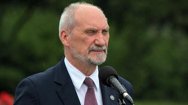 Macierewicz o Żołnierzach Wyklętych: Nigdy nie pozwolimy na zniszczenie rdzenia polskości! - miniaturka