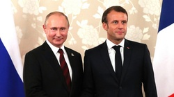 Francuski łącznik. Macron zacieśnia więzi z Kremlem - miniaturka