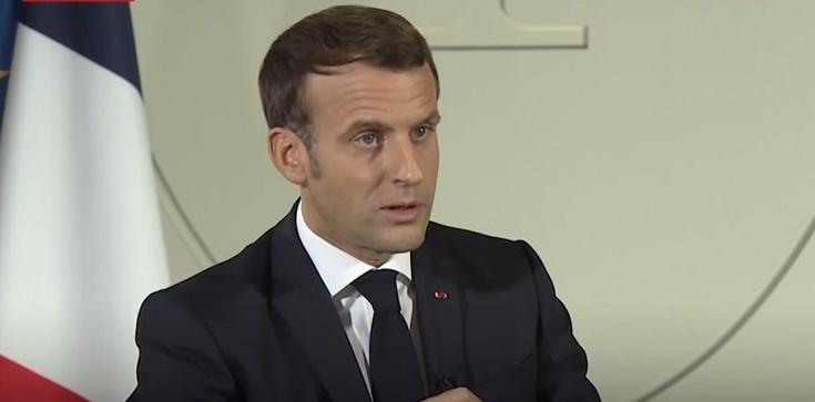 Segregacja sanitarna we Francji. Po orędziu Macrona Francuzi masowo zapisują się na szczepienia - zdjęcie