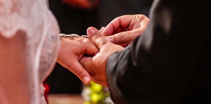 5 powodów, by NIE MIESZKAĆ razem przed ślubem - zdjęcie
