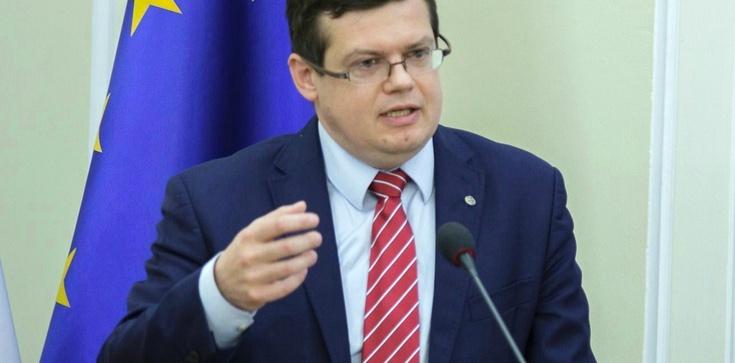 Kasta basta: Markiewicz wzywa sędziów do puczu - zdjęcie
