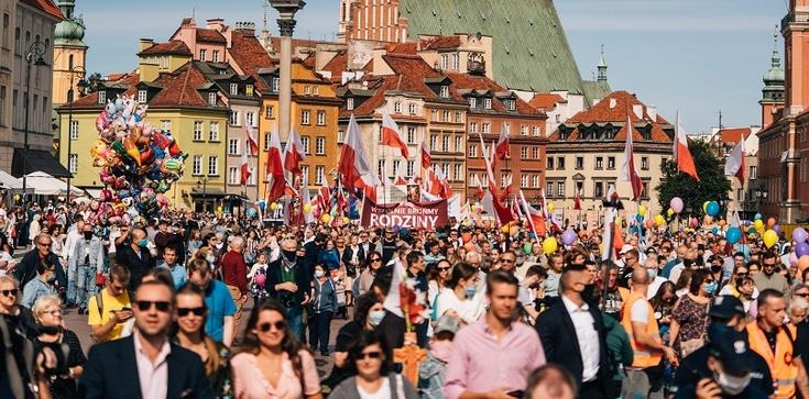 ,,TATO – BĄDŹ, PROWADŹ, CHROŃ!''- pod tym hasłem przejdzie 19 września tegoroczny Marsz Dla Życia i Rodziny w Warszawie! - zdjęcie