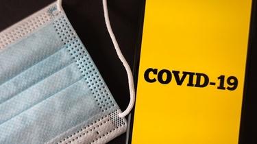 MZ chce wprowadzić kategoryczny zakaz noszenia przyłbic i szalików już od tej soboty - miniaturka