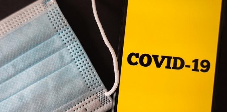 MZ chce wprowadzić kategoryczny zakaz noszenia przyłbic i szalików już od tej soboty - zdjęcie