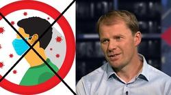 TYLKO U NAS. Dr Mariusz Błochowiak: Maseczki nie chronią przed koronawirusem. Decyzja o ich noszeniu jest czysto polityczna - miniaturka