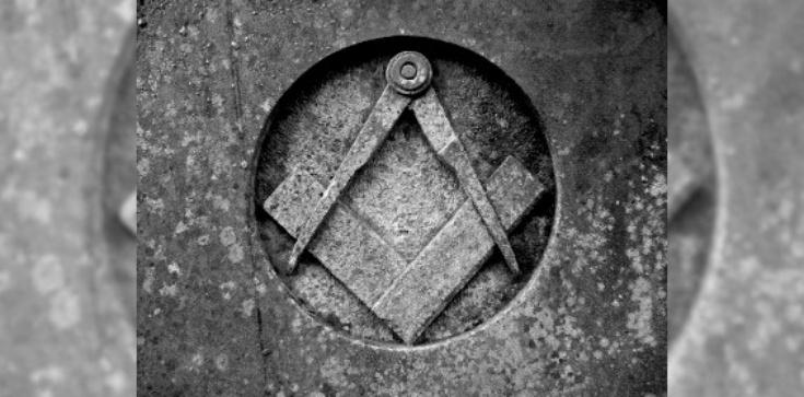 Skandaliczne słowa księdza. Broni... masonerii - zdjęcie