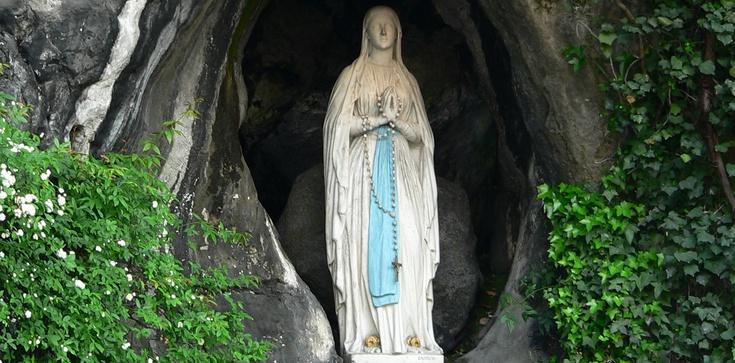 Ogromna lista CUDÓW uczynionych przez Maryję w Lourdes - zdjęcie
