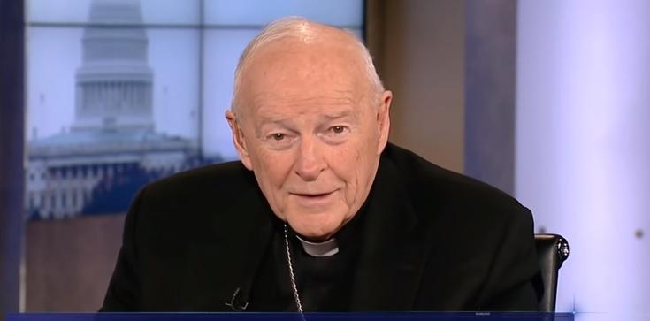 Pożar. Homoseksualizm i pedofilia niszczą wiarygodność Kościoła w USA - zdjęcie
