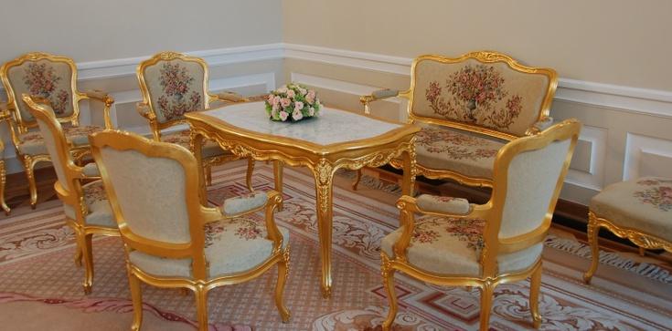 Jak Komorowski wypożyczał dla siebie meble z Pałacu Prezydenckiego - zdjęcie