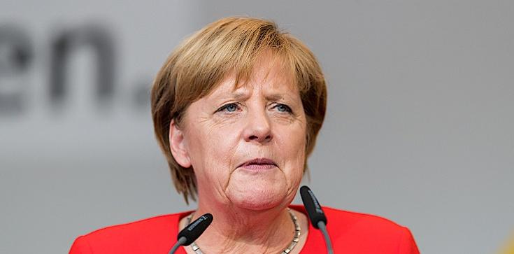 Merkel w Bundestagu: Szukamy sposobu na odblokowanie weta Polski i Węgier - zdjęcie