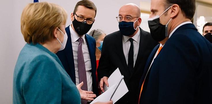 Premier Morawiecki po szczycie UE: Osiągnęliśmy podwójne zwycięstwo - zdjęcie