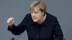 Kanclerz Merkel usiłuje opanować falę uchodźców. Będzie odsyłać Nigeryjczyków - miniaturka