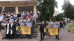 [Zdjęcia] Już 28. męski różaniec przeszedł ulicami Piotrkowa Tryb. - w intencji rodzin, miasta i ojczyzny - miniaturka