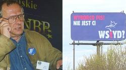 KOD toczy 'wojnę hybrydową na billboardy' z PiS - miniaturka
