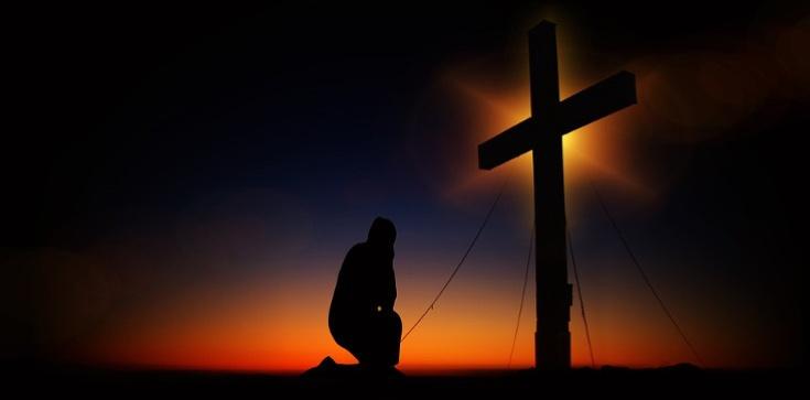 Dręczy cię depresja, lęk, rozpacz? Odmów tę modlitwę i zacznij nowe życie! - zdjęcie
