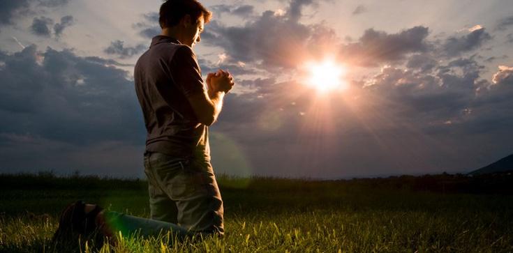 Bóg podnosi z dna! Mocne świadectwo nawróconego ateisty - zdjęcie