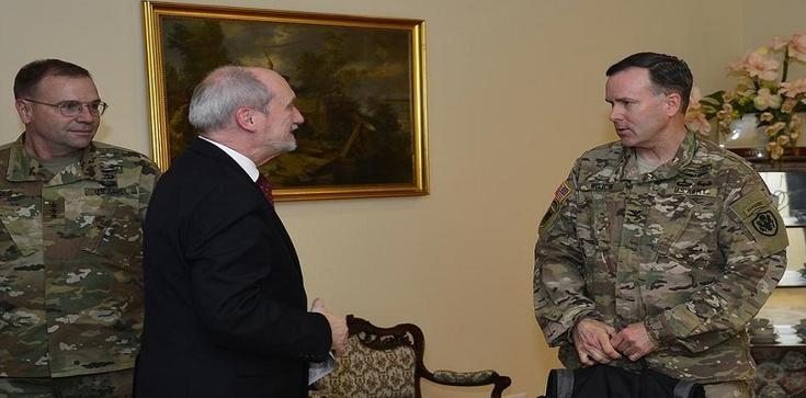Szef MON spotka się z dowódcą amerykańskich sił lądowych w Europie - zdjęcie