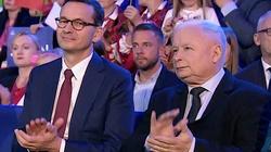 Najnowszy sondaż CBOS. PiS ciągle bezkonkurencyjny. Kto poza Sejmem? - miniaturka