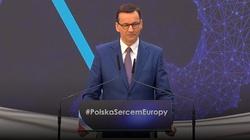Premier Morawiecki: Będziemy walczyć o wolność słowa w internecie - miniaturka