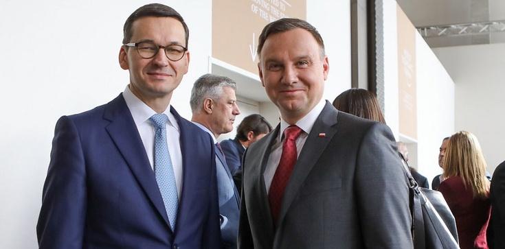 Prezydent i premier z największym zaufaniem Polaków - zdjęcie