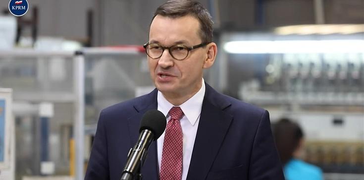 Premier: Uratowaliśmy bardzo wiele miejsc pracy - zdjęcie