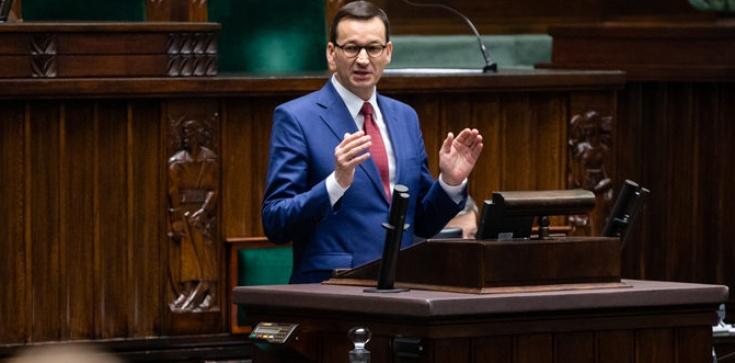 Mocne słowa premiera Morawieckiego! 'Przez ideologie lewackie atakuje się rodzinę' - zdjęcie
