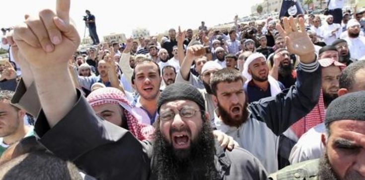 Biskup: Europa będzie domem starców z pięknymi muzeami. Islam ją zniszczy! - zdjęcie