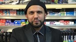 Muzułmański sklepikarz z Glasgow złożył życzenia chrześcijanom z okazji świąt. Został zaszlachtowany  - miniaturka