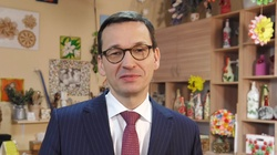 ''Szacunek dla osób starszych zawsze był w Polsce świętością''. Premier Morawiecki składa życzenia babciom i dziadkom - miniaturka