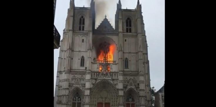 Imigrant przyznał się do podpalenia katedry w Nantes - zdjęcie